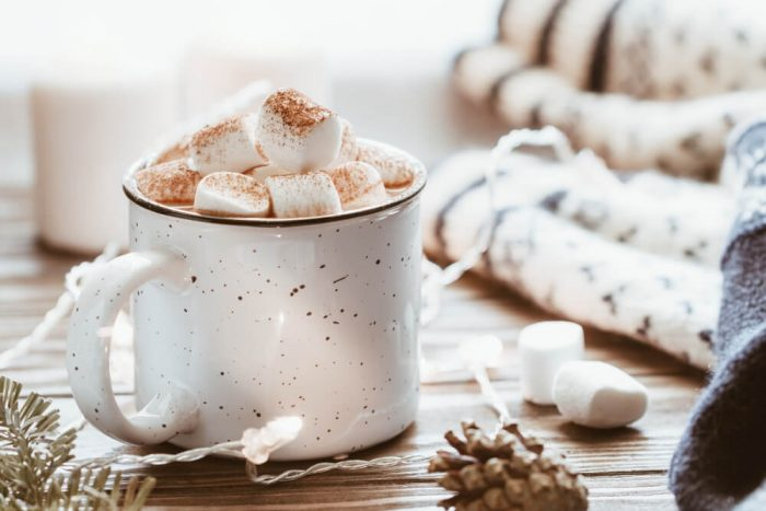 hot chocolate with mashmallows